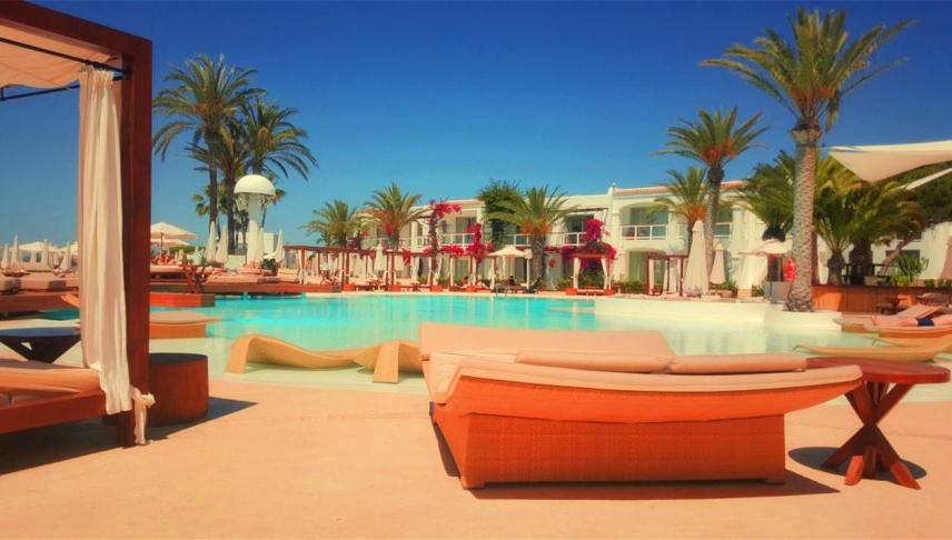 Σε απόγνωση οι ξενοδόχοι | Αρθρογραφία | Mesaralive